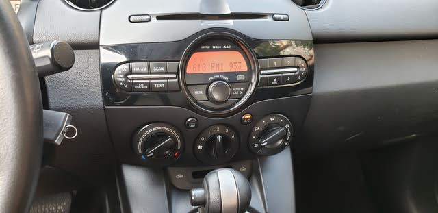 Picture of 2013 Mazda MAZDA2 Touring, interior, gallery_worthy