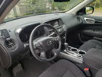 Picture of 2015 Nissan Pathfinder S 4WD, interior, gallery_worthy