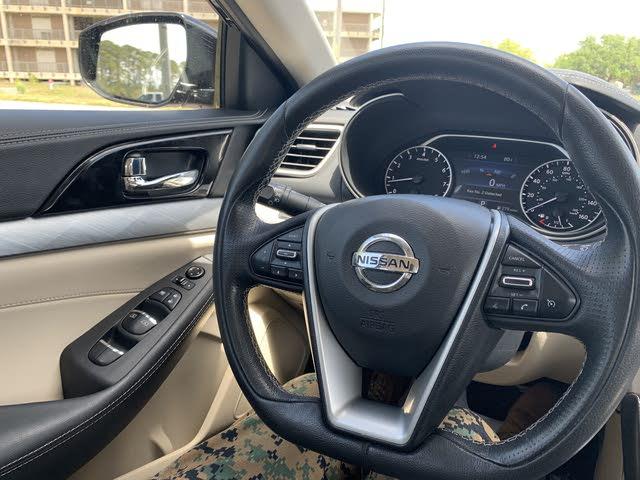 2016 Maxima Interior >> 2016 Nissan Maxima Interior Pictures Cargurus
