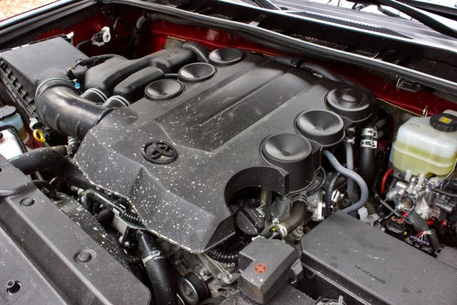 Engine of the 2019 Toyota 4Runner., gallery_worthy