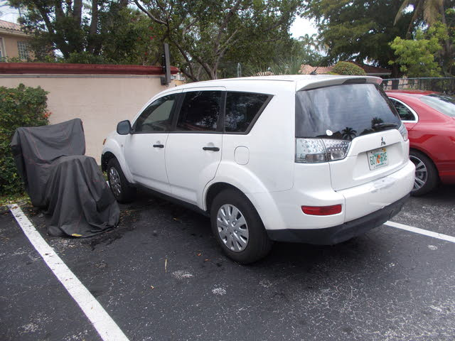 Picture of 2007 Mitsubishi Outlander ES
