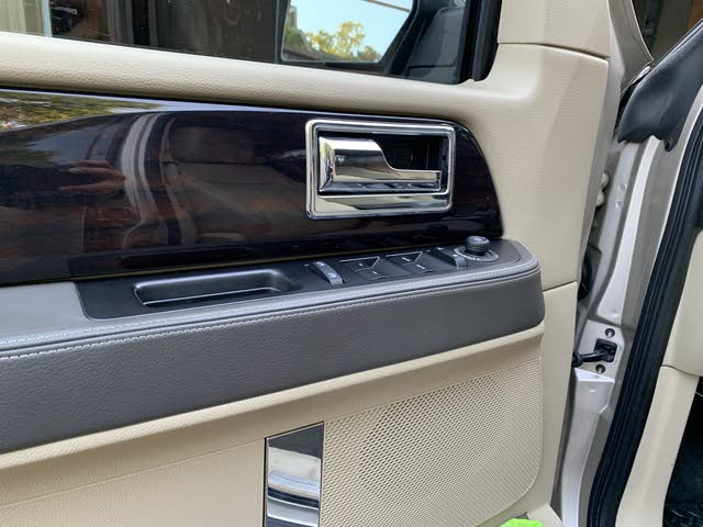 Picture of 2017 Lincoln Navigator L Reserve 4WD, interior, gallery_worthy