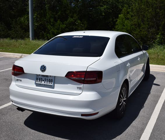 Foto de un 2018 Volkswagen Jetta 1.4T Wolfsburg Edition FWD