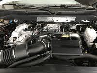 Picture of 2018 Chevrolet Silverado 2500HD Work Truck Crew Cab 4WD, engine, gallery_worthy