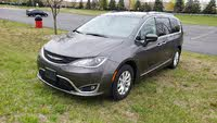2018 Chrysler Pacifica Picture Gallery