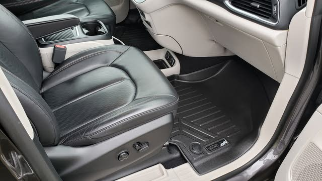 Picture of 2018 Chrysler Pacifica Touring L Plus FWD, interior, gallery_worthy