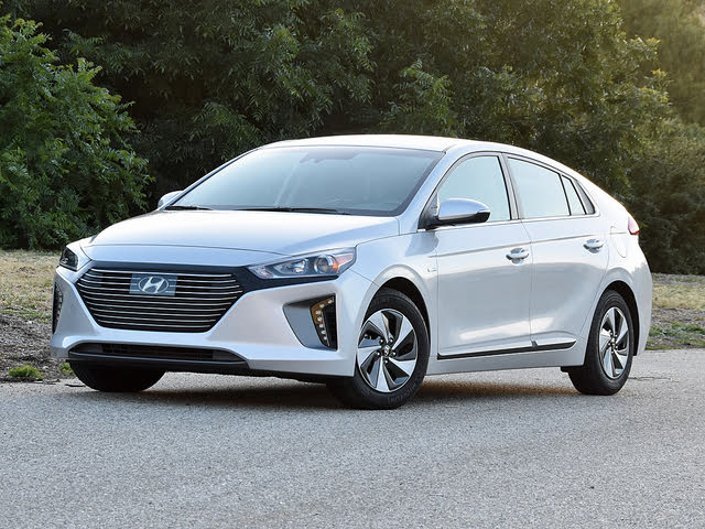 2019 Hyundai Ioniq Hybrid SEL in Silver