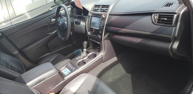 Picture of 2017 Toyota Camry Hybrid XLE FWD, interior, gallery_worthy