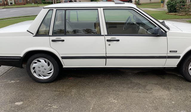 Picture of 1991 Volvo 740 Sedan