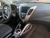 Picture of 2015 Hyundai Veloster Base, interior, gallery_worthy