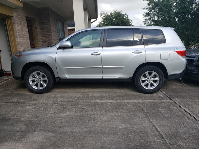 Picture of 2011 Toyota Highlander Base