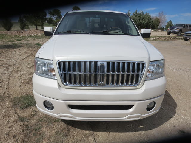 Foto de un 2007 Lincoln Mark LT 4WD