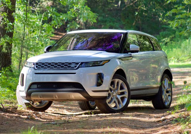 Front 3/4 profile of the 2020 Land Rover Range Rover Evoque.