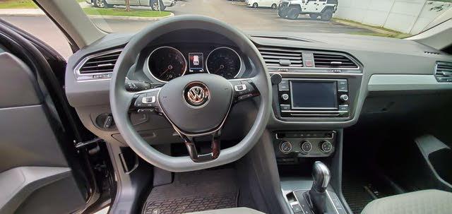 Picture of 2018 Volkswagen Tiguan S, interior, gallery_worthy