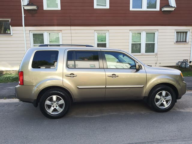 Picture of 2010 Honda Pilot EX-L with DVD 4WD