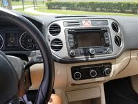 Picture of 2011 Volkswagen Tiguan SE with Sunroof and Navigation, interior, gallery_worthy