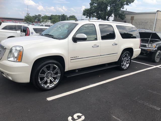 Picture of 2013 GMC Yukon XL Denali 4WD