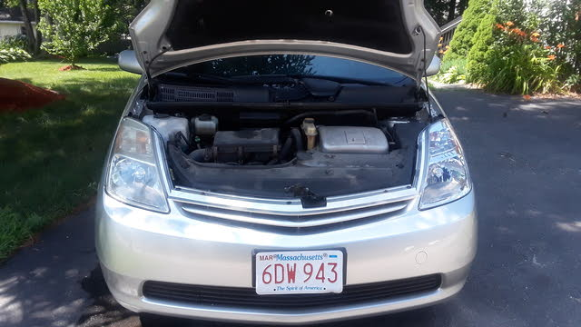 Picture of 2005 Toyota Prius FWD, engine, gallery_worthy
