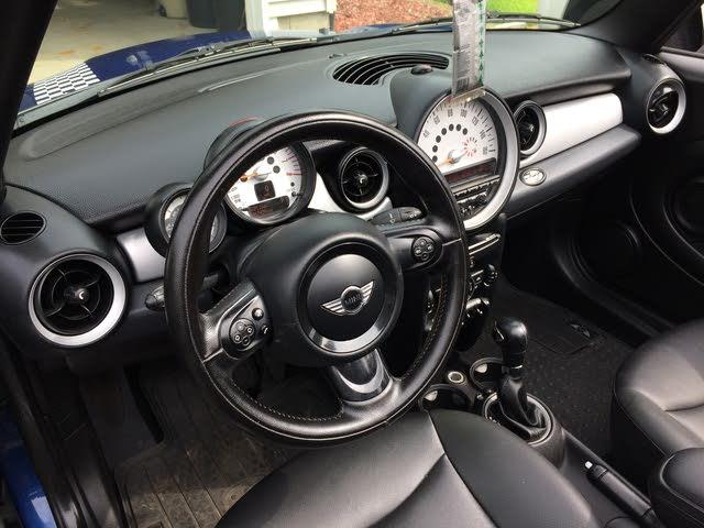 2017 Volkswagen Beetle Hatchback >> 2012 MINI Cooper - Interior Pictures - CarGurus