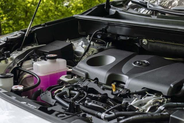2019 Toyota RAV4 Hybrid, (c) Clifford Atiyeh for CarGurus, gallery_worthy