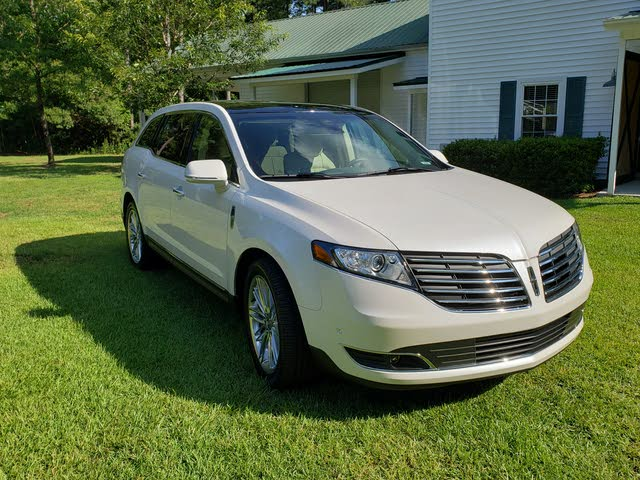 Picture of 2018 Lincoln MKT Reserve AWD
