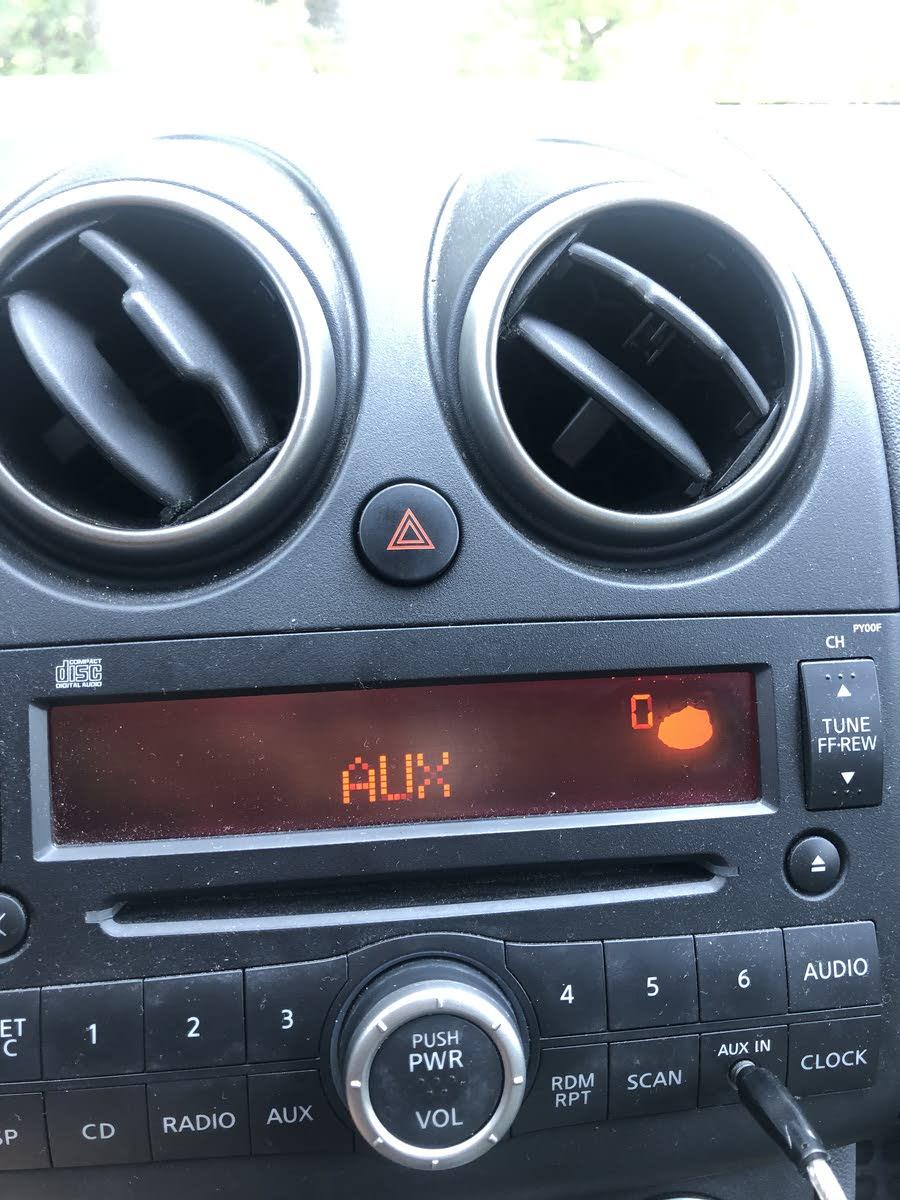 Nissan Rogue Questions Radio Screen Has Odd Blob Cargurus