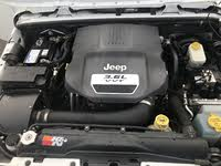 Picture of 2013 Jeep Wrangler Unlimited Sahara 4WD, engine, gallery_worthy