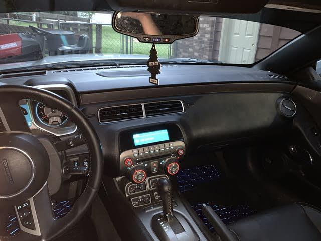 2011 chevrolet camaro interior pictures cargurus 2011 chevrolet camaro interior