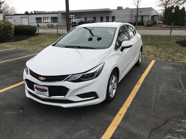Picture of 2018 Chevrolet Cruze LT Hatchback FWD, exterior, gallery_worthy
