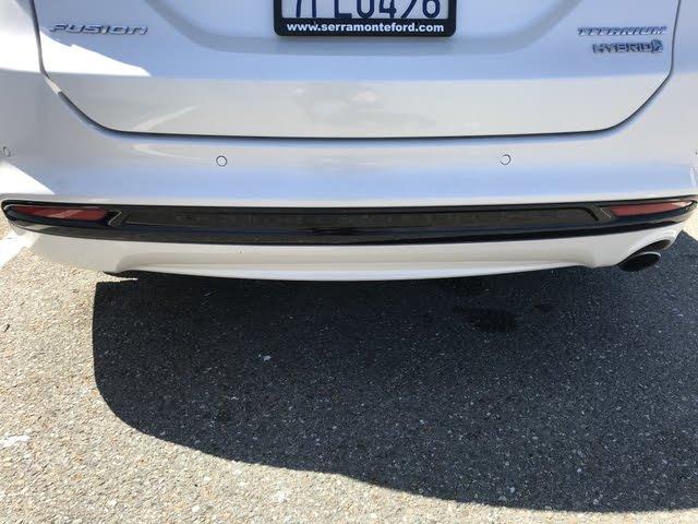 Foto de un 2014 Ford Fusion Hybrid Titanium FWD