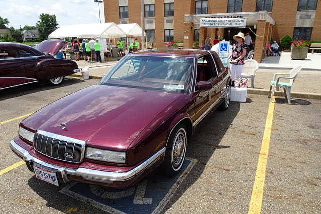 Picture of 1992 Buick Riviera Coupe FWD