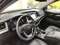 Picture of 2016 Toyota Highlander XLE, interior, gallery_worthy