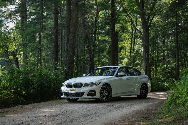 2019 BMW 3 Series front-quarter view. (c) Clifford Atiyeh for CarGurus