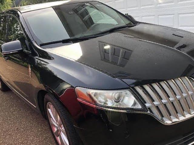 Picture of 2011 Lincoln MKT AWD