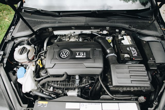 Picture of 2016 Volkswagen Golf R 4-Door with DCC and Navigation, engine, gallery_worthy