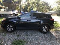 2017 Toyota RAV4 Picture Gallery