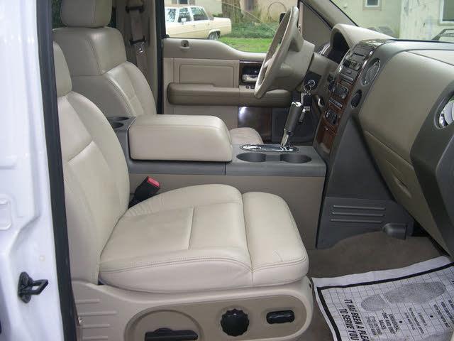 Picture of 2019 Genesis G90 3.3T Premium AWD, interior, gallery_worthy