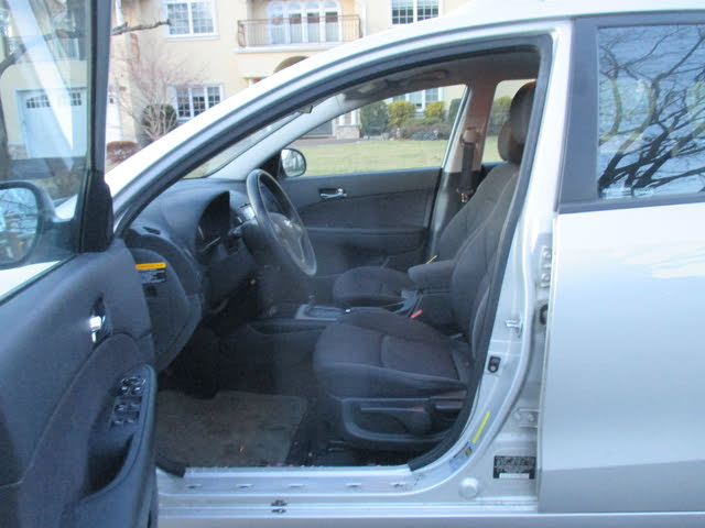 Picture of 2011 Hyundai Elantra Touring GLS FWD, interior, gallery_worthy
