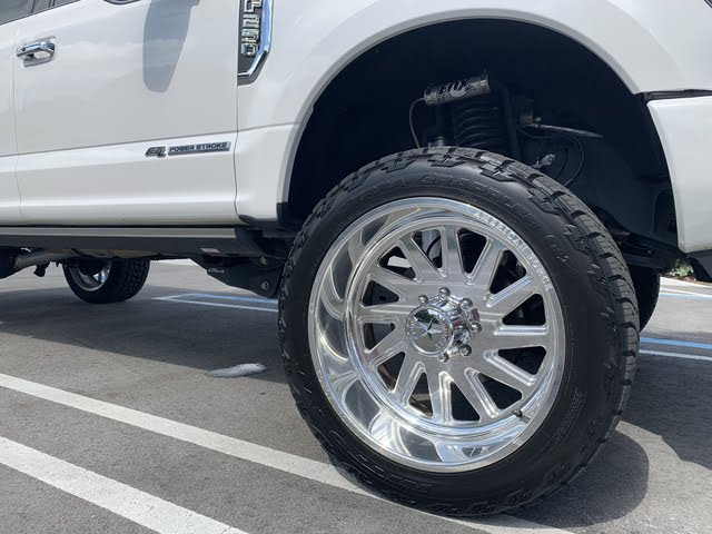 Picture of 2018 Ford F-250 Super Duty Platinum Crew Cab 4WD