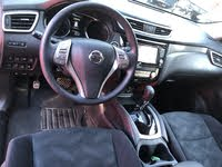 Picture of 2016 Nissan Rogue SV, interior, gallery_worthy