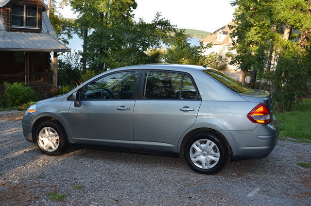 Picture of 2011 Nissan Versa 1.8 SL