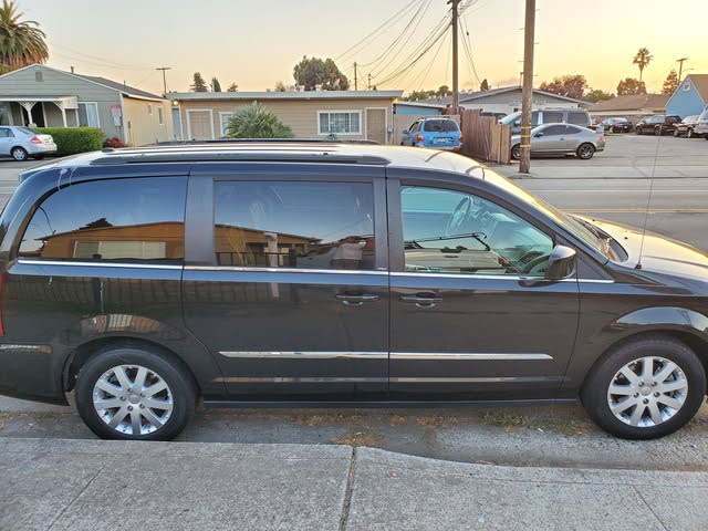 Picture of 2013 Chrysler Town & Country S FWD, exterior, gallery_worthy
