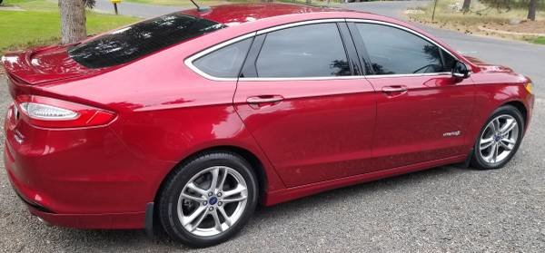 Picture of 2015 Ford Fusion Hybrid Titanium FWD