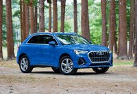 Front 3/4 profile of the 2019 Audi Q3., exterior, gallery_worthy