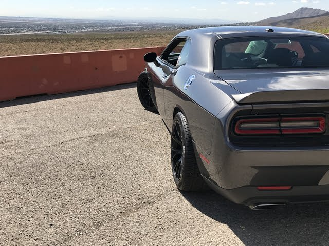 Picture of 2018 Dodge Challenger R/T RWD