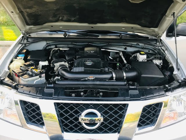 Picture of 2011 Nissan Frontier SV Crew Cab 4WD, engine, gallery_worthy
