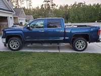 Picture of 2017 GMC Sierra 1500 SLT Crew Cab 4WD, exterior, gallery_worthy