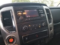 Picture of 2018 Nissan Titan SV Crew Cab 4WD, interior, gallery_worthy