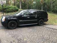 Picture of 2012 GMC Yukon XL Denali 4WD, exterior, gallery_worthy