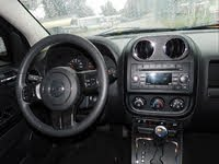 Picture of 2013 Jeep Compass Latitude, interior, gallery_worthy